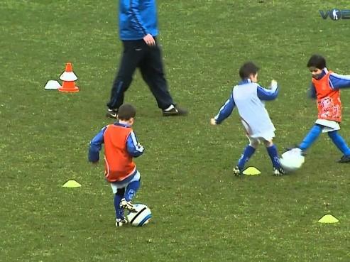 Start techniektraining voetbalschool